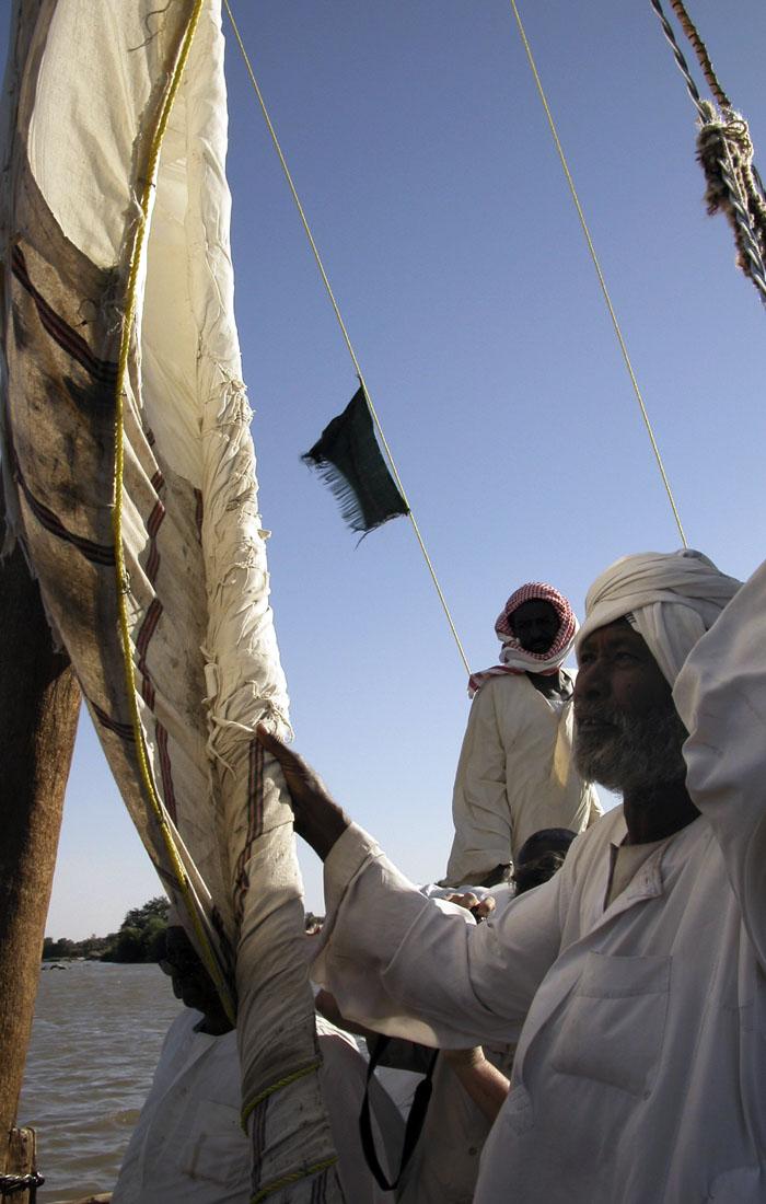 Viajes a África con Viajes Ikertanoa, todo el asesoramiento y la información necesaria para viajar independiente y diferente. Fotografía de Sudán, río Nilo a su paso por Ombos.