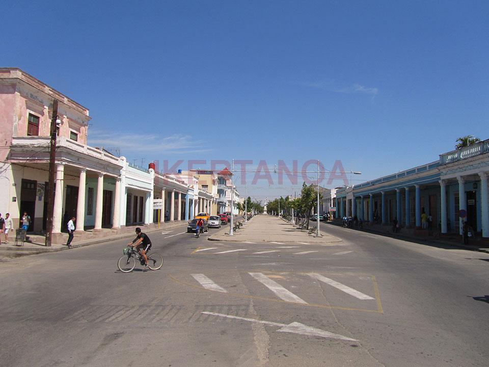 Avenida del malecón en Cienfuegos