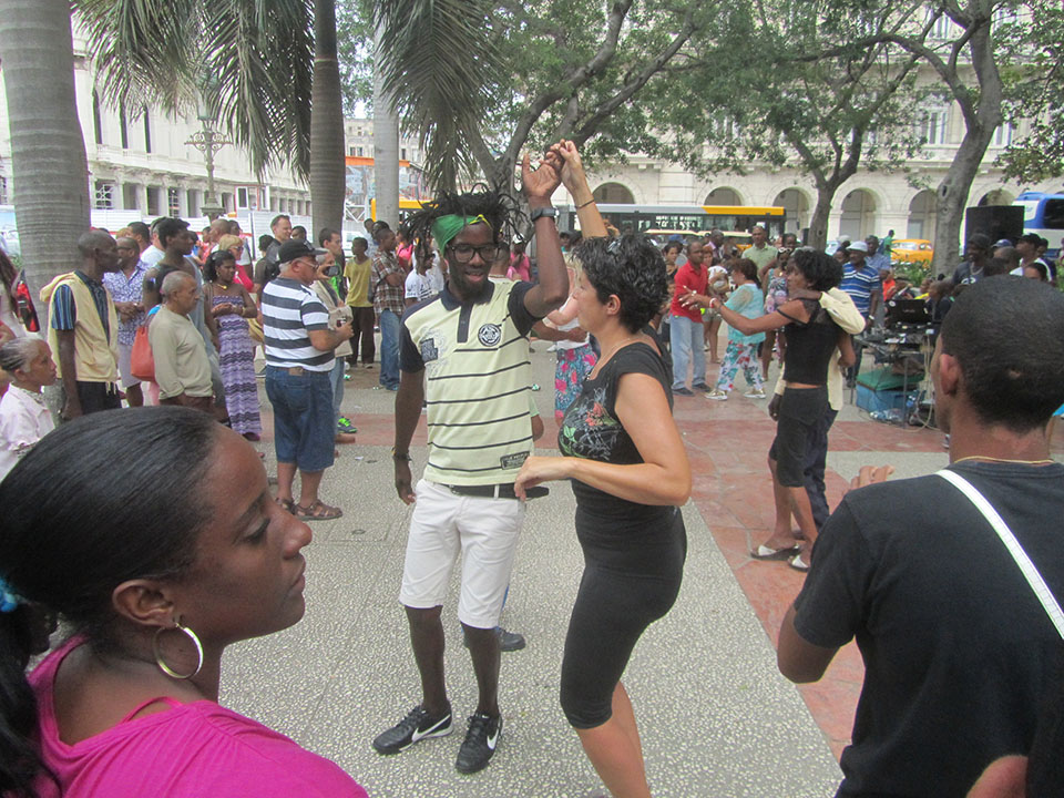 Bailando con los cubanos