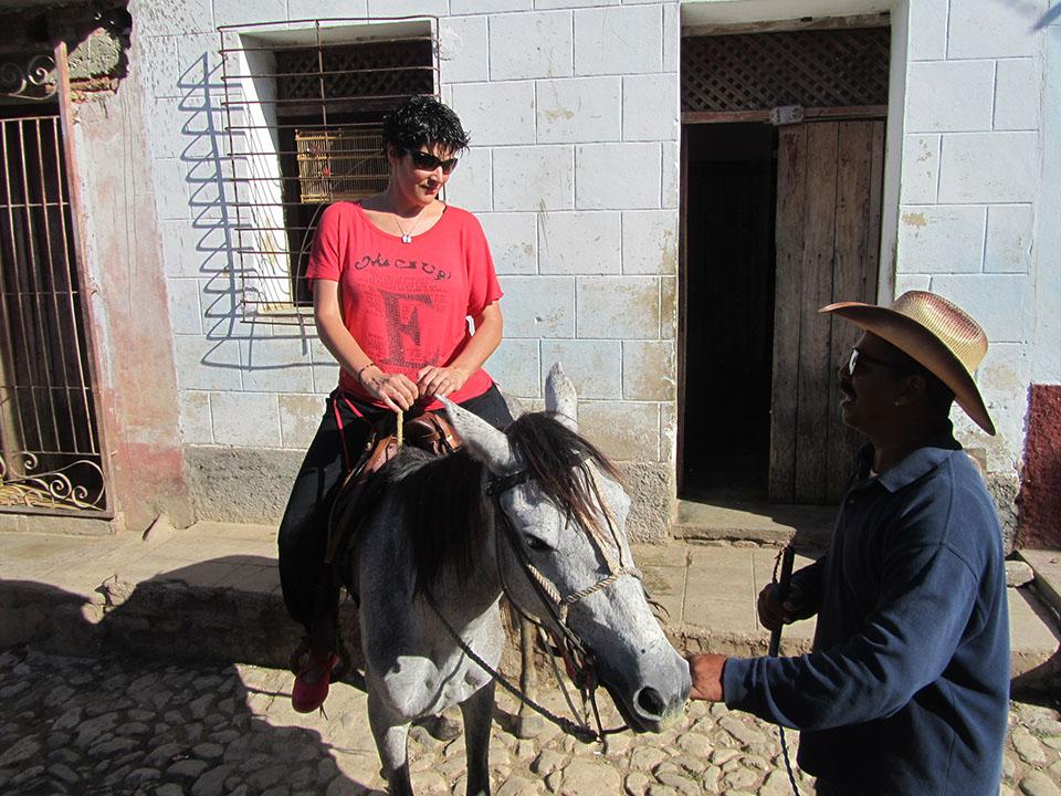 Montando en el caballo