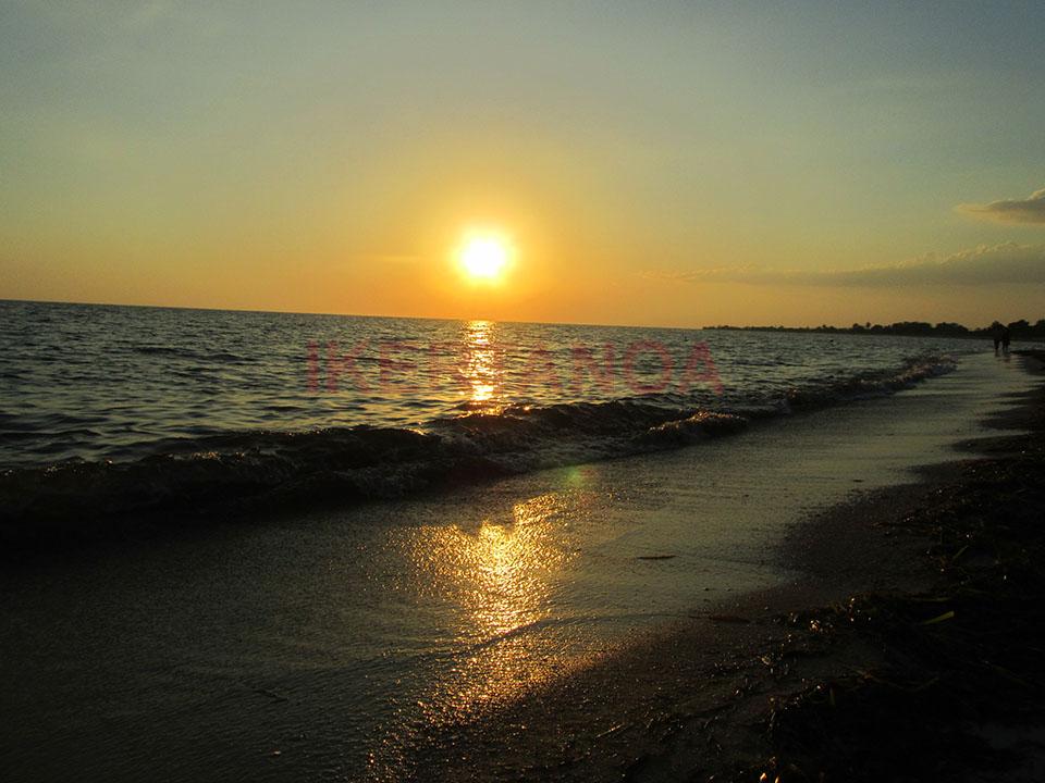 Puesta de sol en Playa Ancón