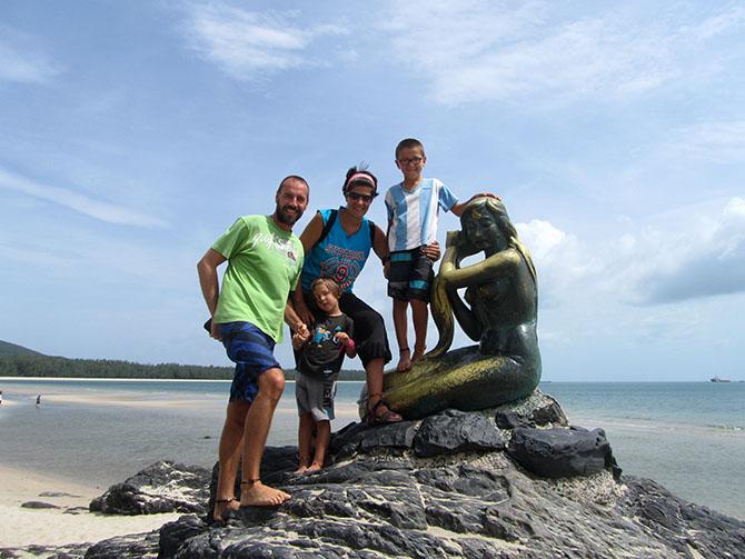 Sirena en Songkhla, Viajes a Tailandia con Viajes Ikertanoa