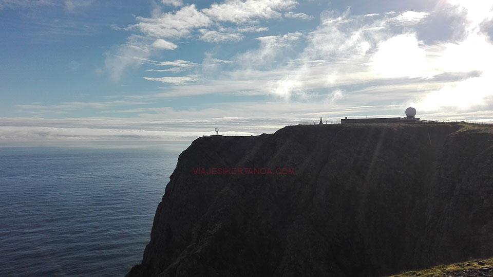 Amaneciendo en Cabo Norte en Noruega.