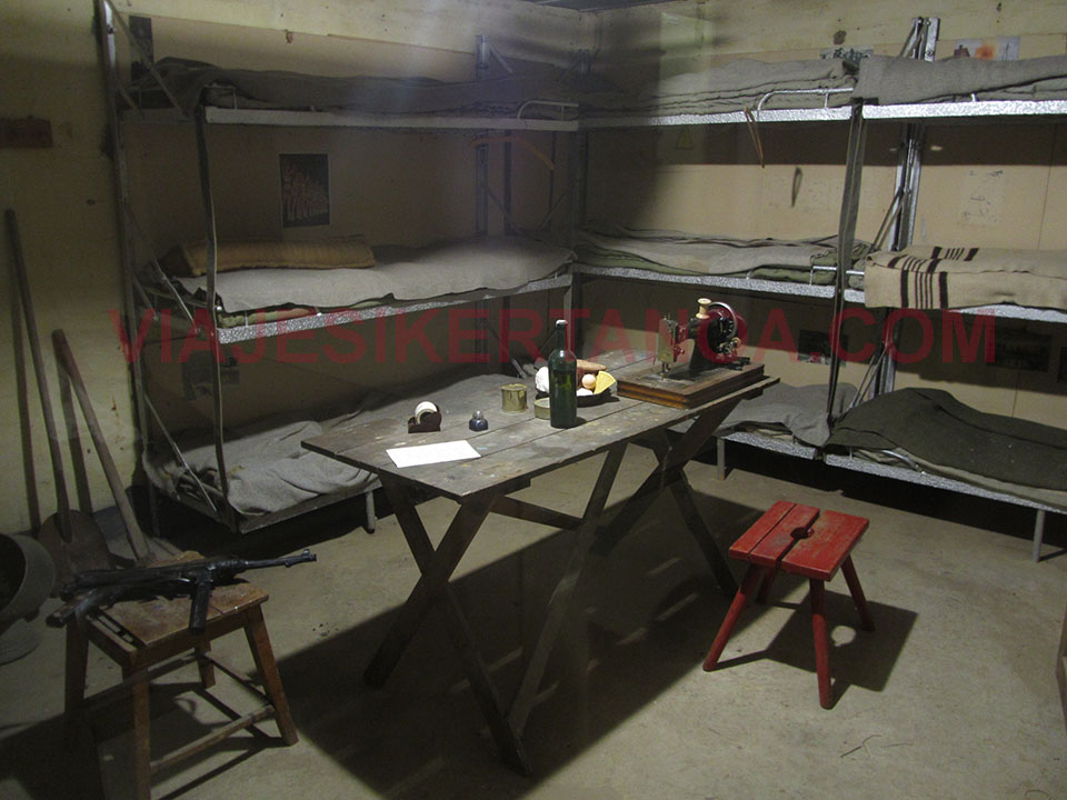 Los camastros en los que dormían en el bunker en Hirtshals, Dinamarca.