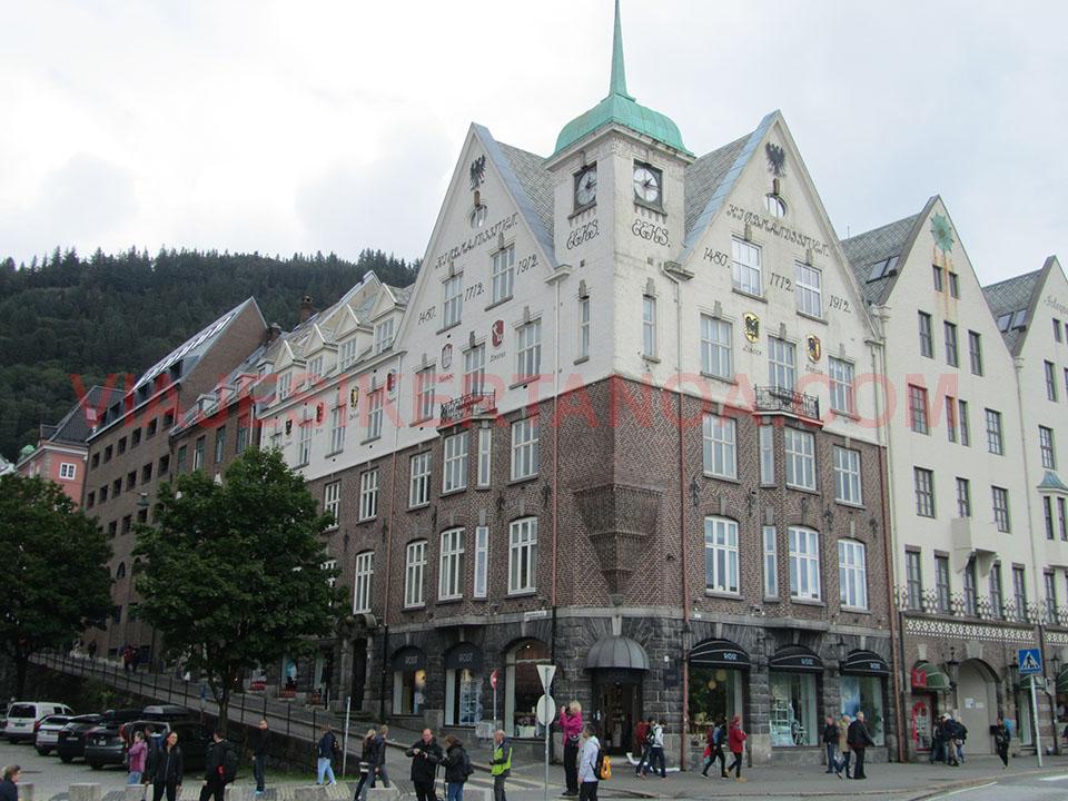 Edificios del barrio de Bryggen en bergen, Noruega.