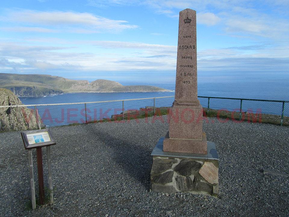 La columna del Rey Oscar II en Cabo Norte en Noruega.