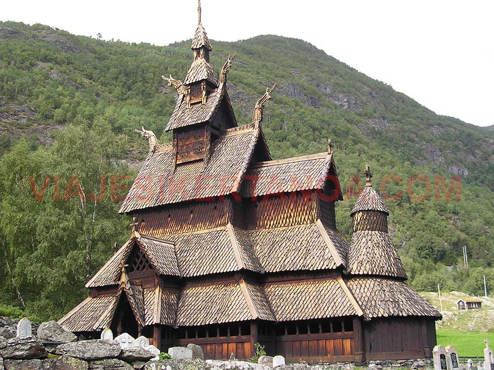 La iglesia de madera de Borgund en Noruega.