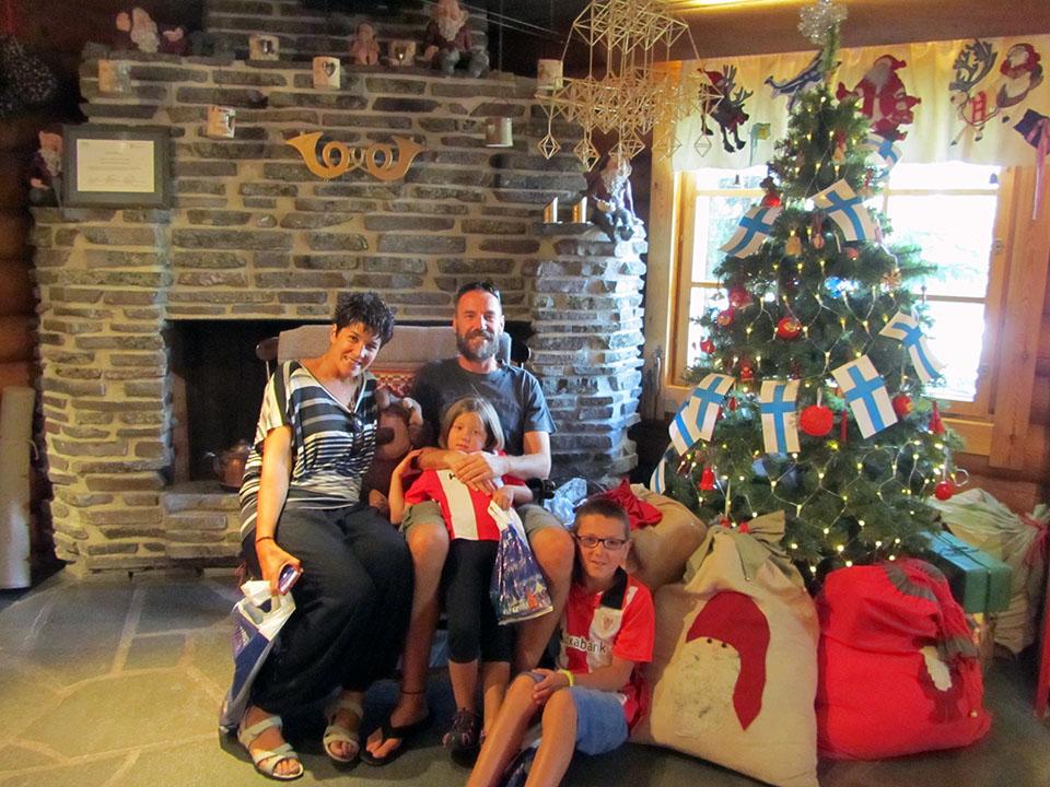 Las sacas con los regalos de Papa Noel en su casa en Rovaniemi, Finlandia.
