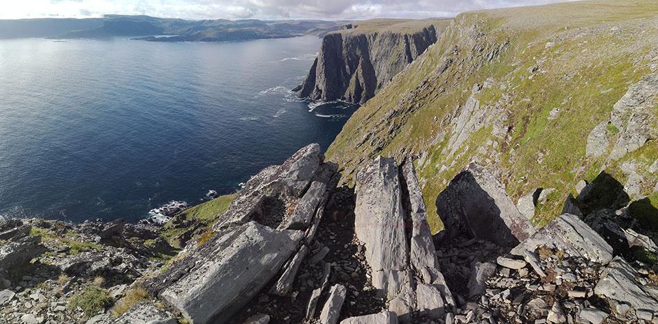 Los impresionantes acantilados de Cabo Norte en Noruega.