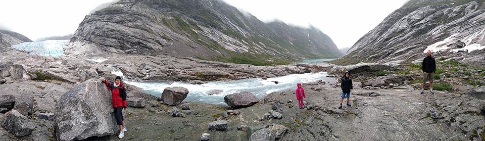Panorámica del glaciar Nigardsbreen en Noruega.