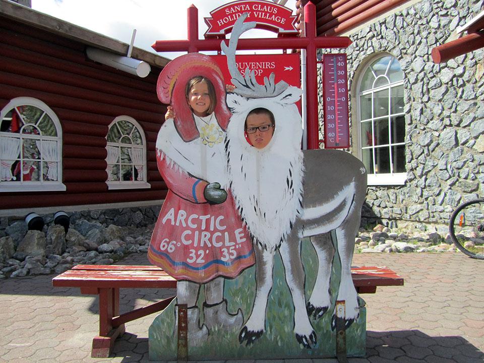 Rudolph el reno de Papa Noel en Rovaniemi, Finlandia.