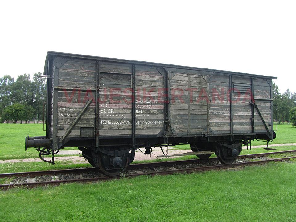 Vagón que transportaba a los prisioneros en el campo de concentración Neuengamme en Hamburgo, Alemania