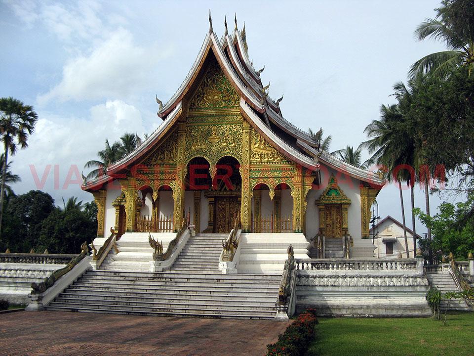 El wat Mai Suwannaphumaham en Luang Prabang, Laos.