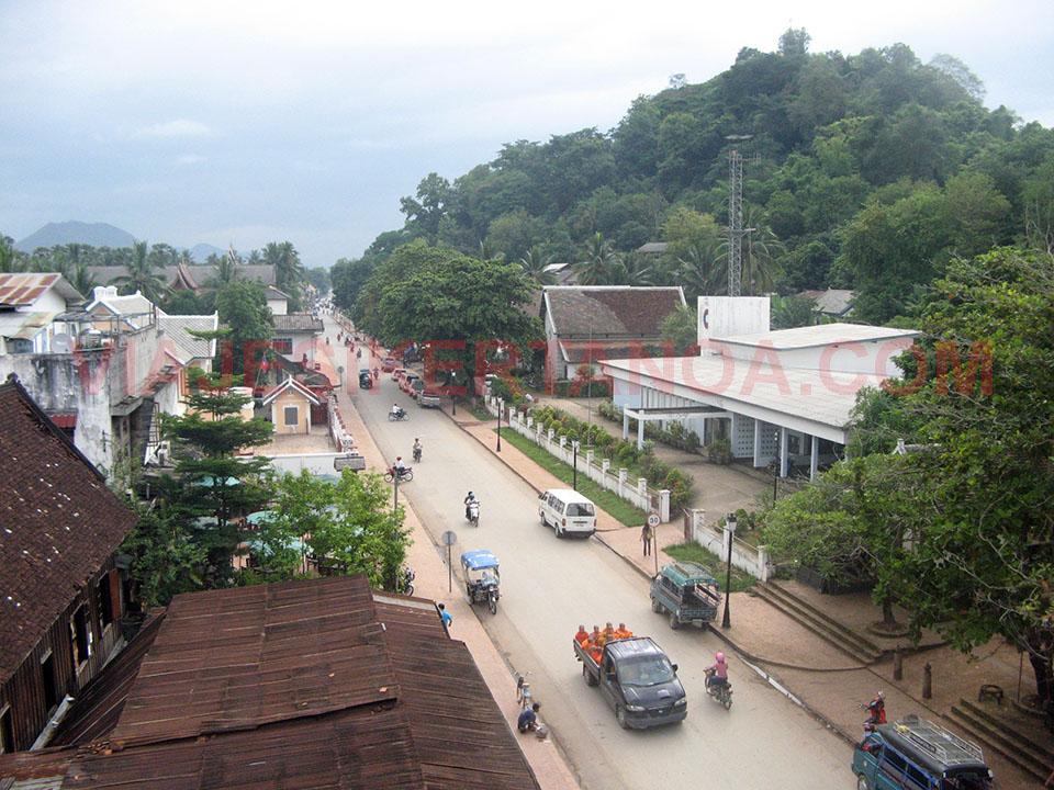Amanecer en Luang Prabang, Laos.