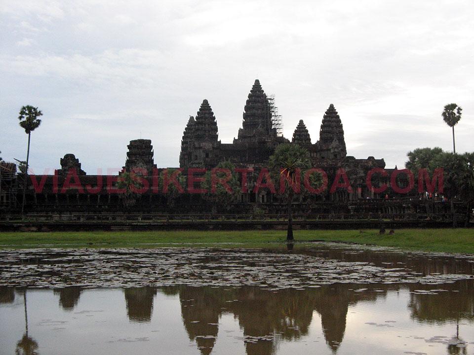 El Angkor Wat en Siem Reap en Camboya.