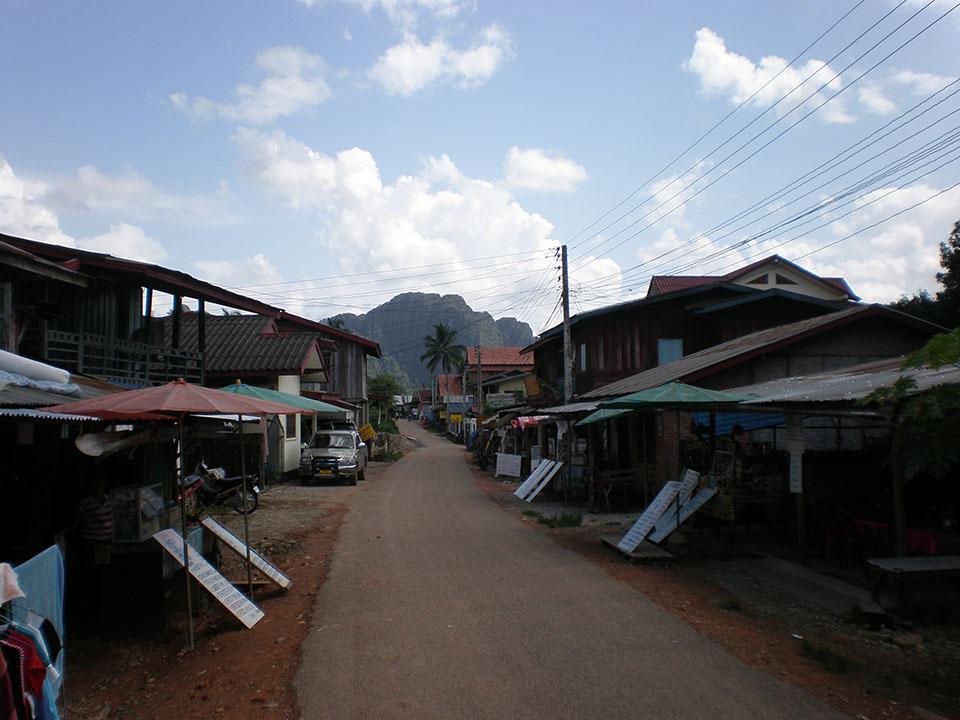 Calles del pueblo de Vang Vieng en Laos.