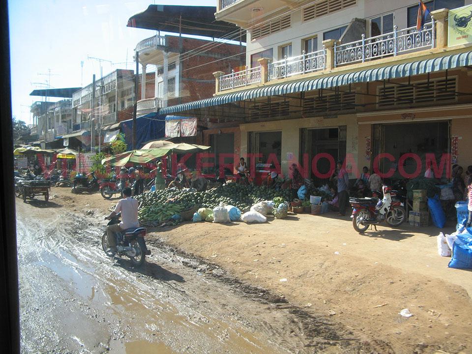 Camino desde Phnom Penh hacia Kampong Cham en Camboya.
