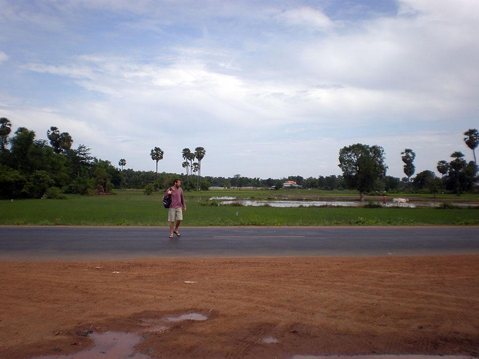 Carretera hacia Battambang, Camboya.