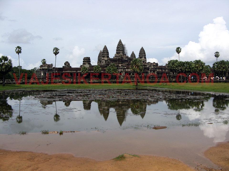 El Angkor Wat en las ruinas de Angkor en Siem Reap, Camboya.