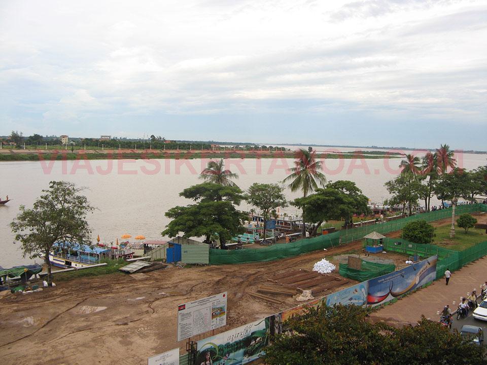 El Río Mekong a su paso por Phnom Penh en Camboya.