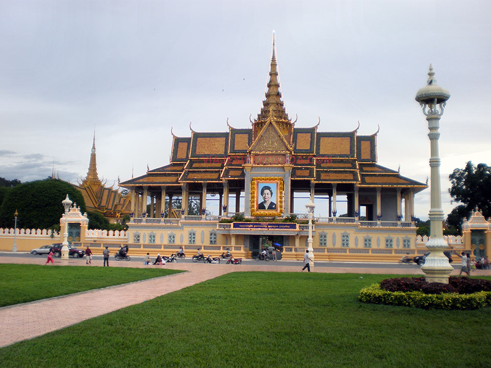 El Palacio Real en Phnom Penh, Camboya.