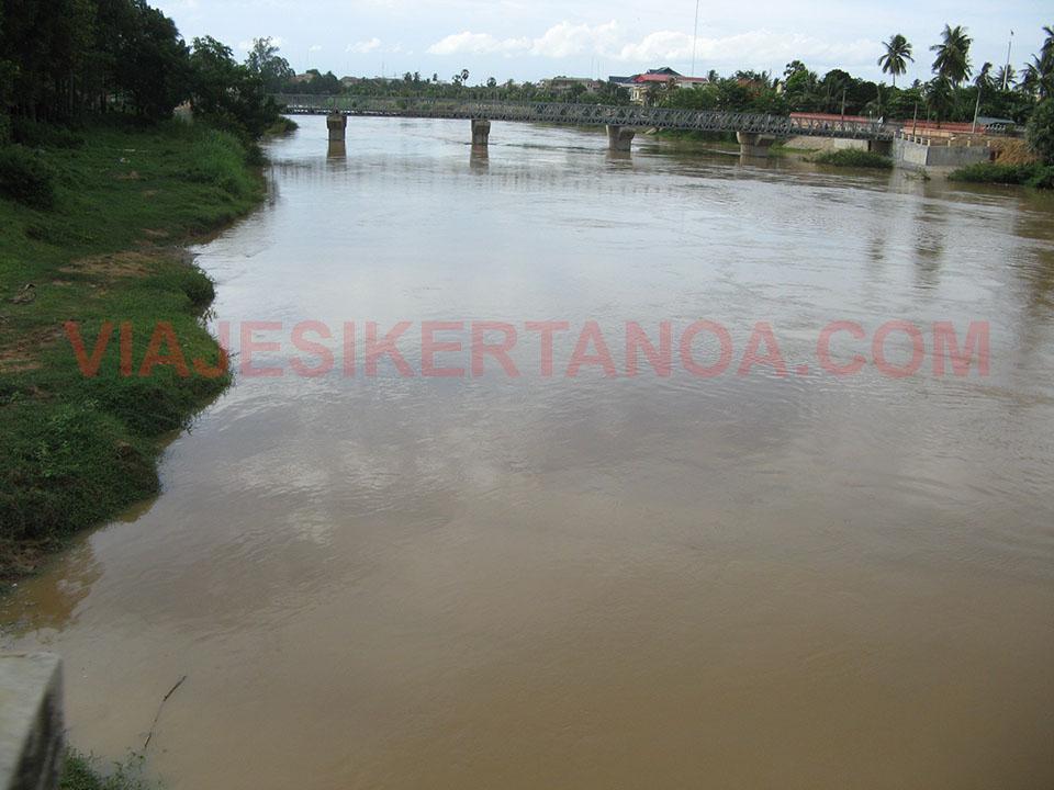 El río Sangker a su paso por Battambang, Camboya.