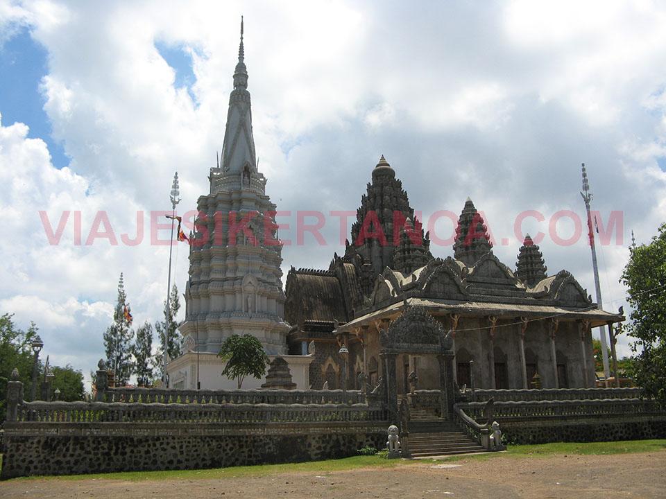 Los templos de Phnom Pros en Kampong Cham en Camboya.