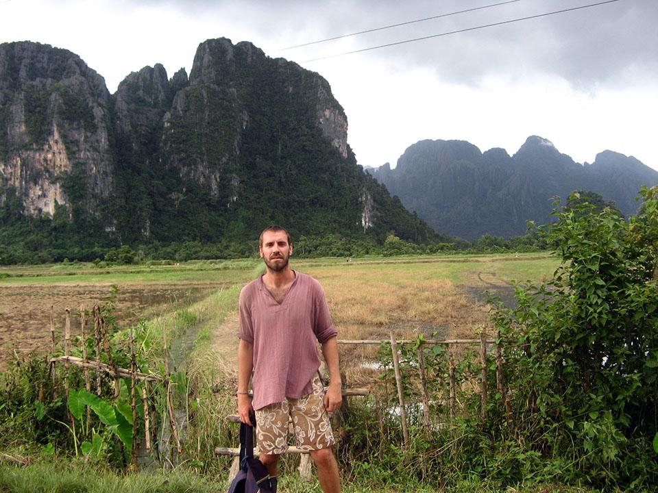Las montañas kársticas que rodean el pueblo de Vang Vieng en Laos.