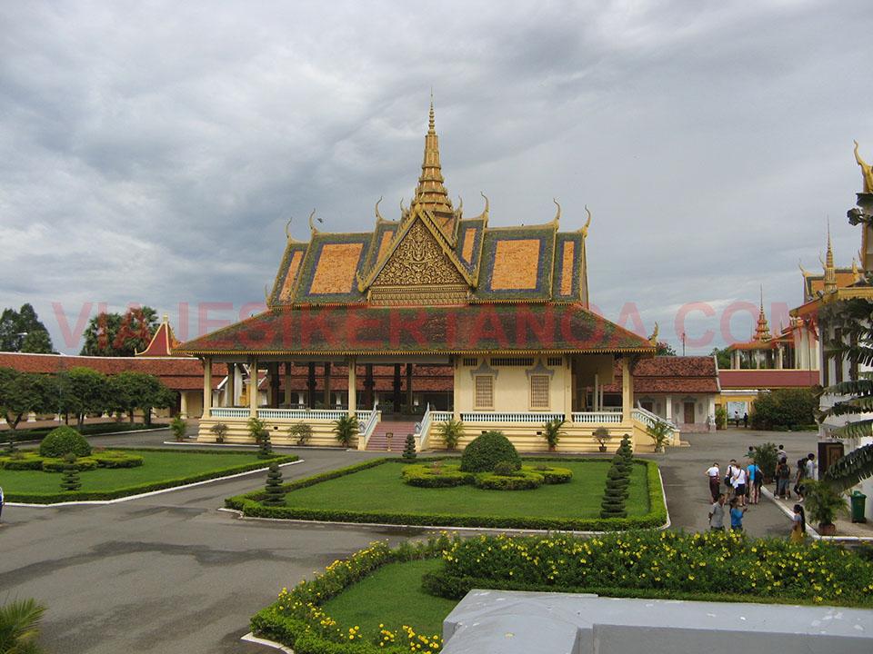 Pabellón Phochani en el Palacio Real de Phnom Penh en Camboya.