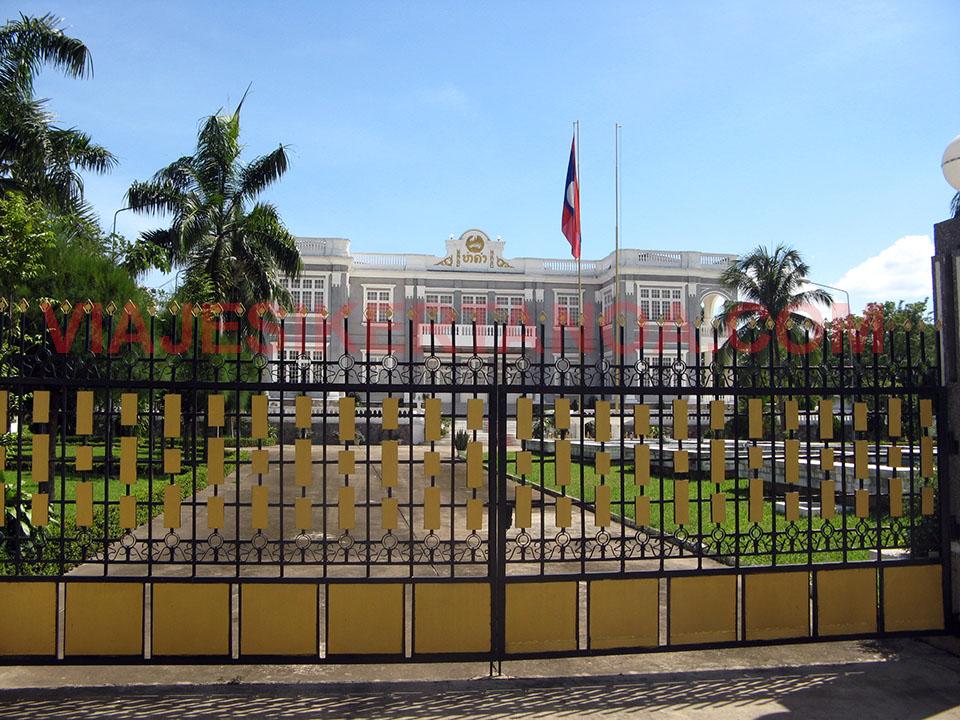 Palacio presidencial en Vientián, Laos.