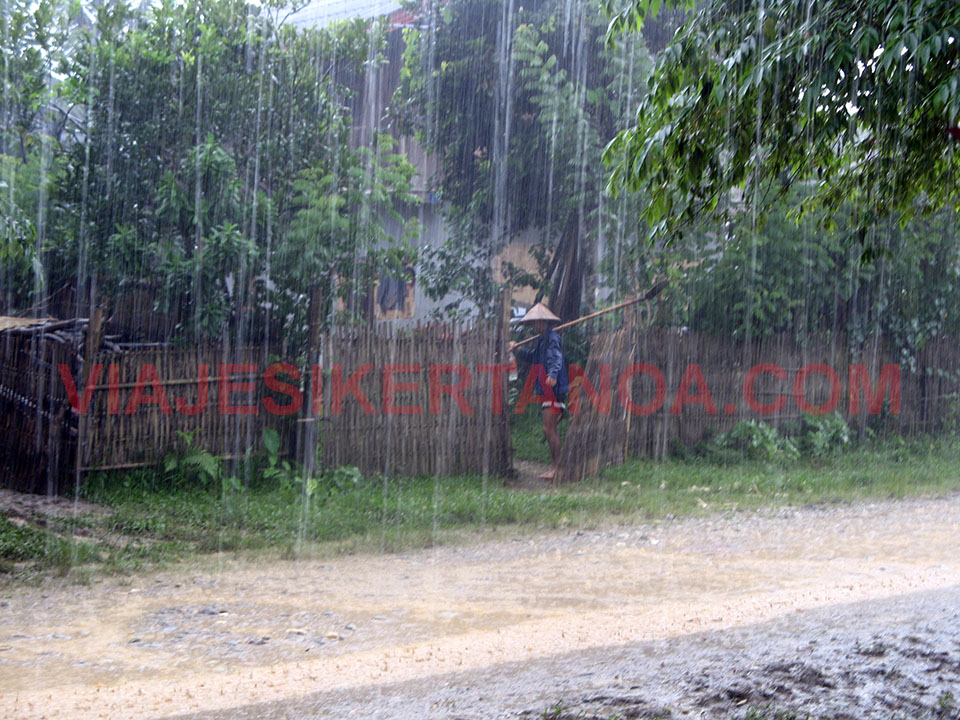 El diluvio universal en Vang Vieng, Laos.