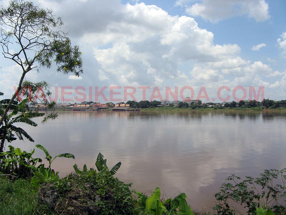 Tailandia y Laos separados por el río Mekong