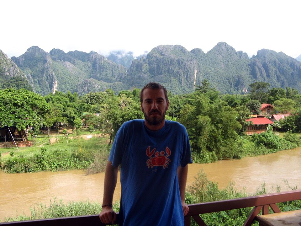 Vistas desde la terraza de la habitación en Vang Vieng, Laos.