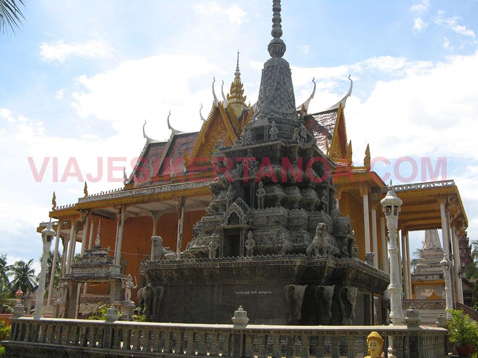 Wat Kampong Thom en el pueblo de Kampong Thom en Camboya.
