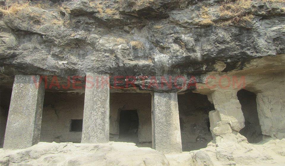Cuevas en la isla Elefanta en Bombay, India.