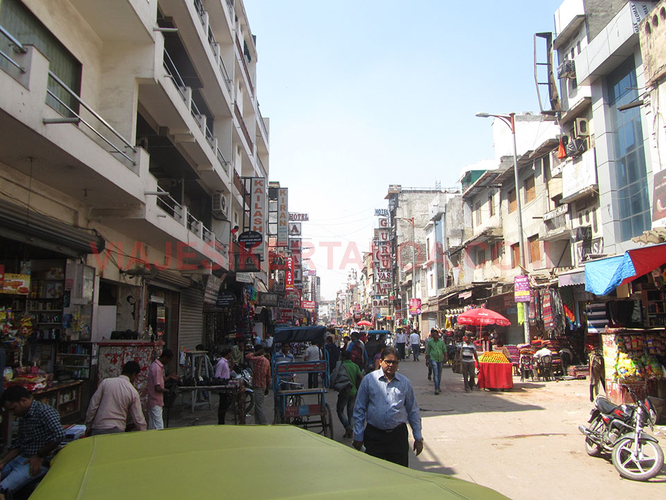 La vida en las calles de Nueva Delhi, India.