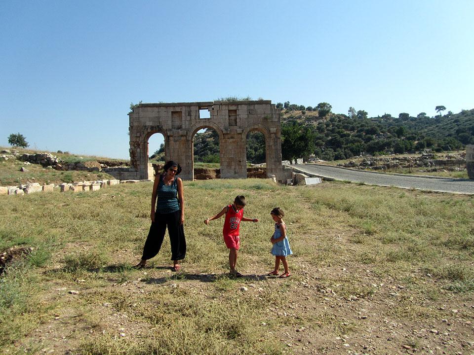 Arco del triunfo en Patara, Turquía.