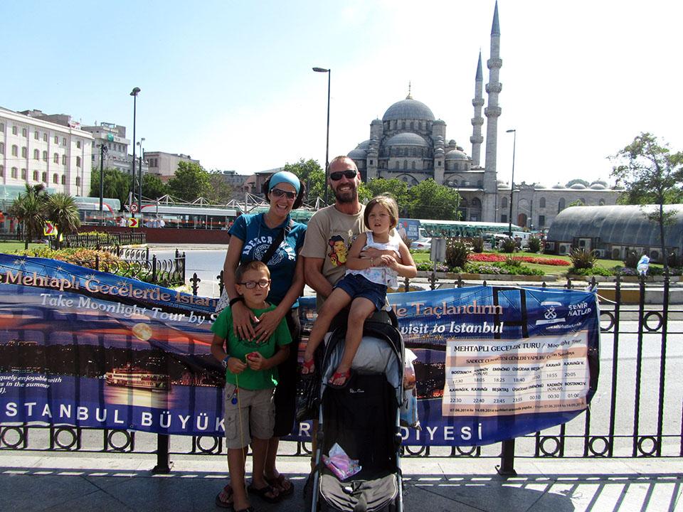 La Mezquita Nueva en Estambul, Turquía.