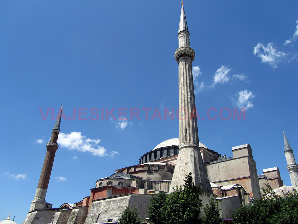 Exterior de Santa Sofía en Estambul, Turquía.