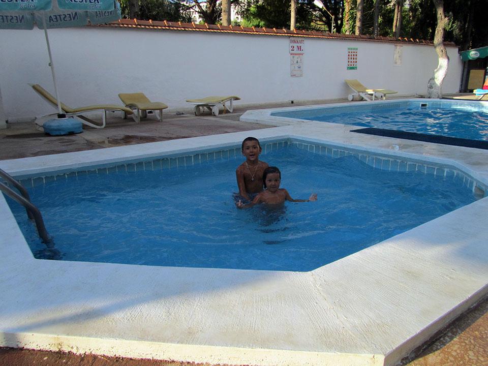 La piscina del Onder Camping en Kusadasi, Turquía