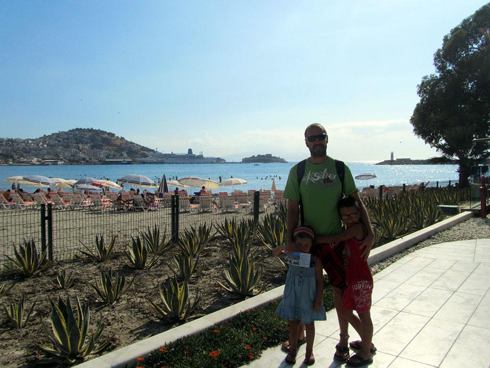 La playa de Kusadasi en Turquía