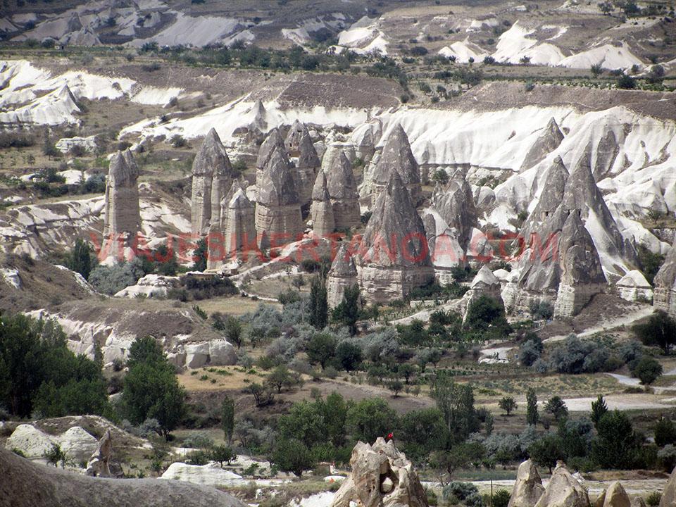 Love Valley en la Capadocia en Turquía