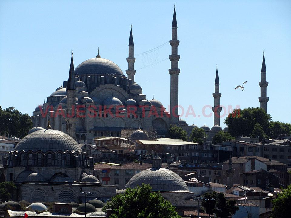 Mezquita de Süleymaniye en Estambul, Turquía.
