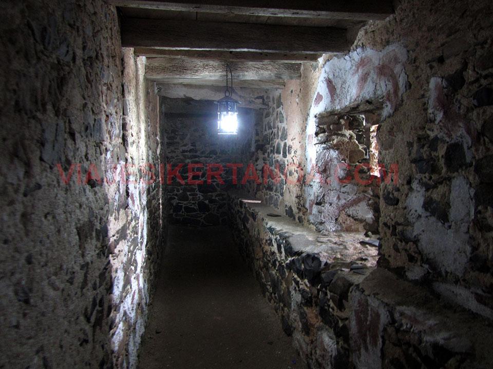 Celdas en las que estaban encerrados los esclavos en la isla de Gorée en Senegal