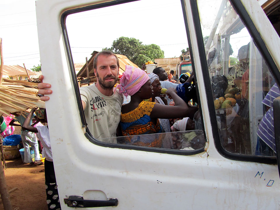 Comprando fruta en Sambodia, Senegal