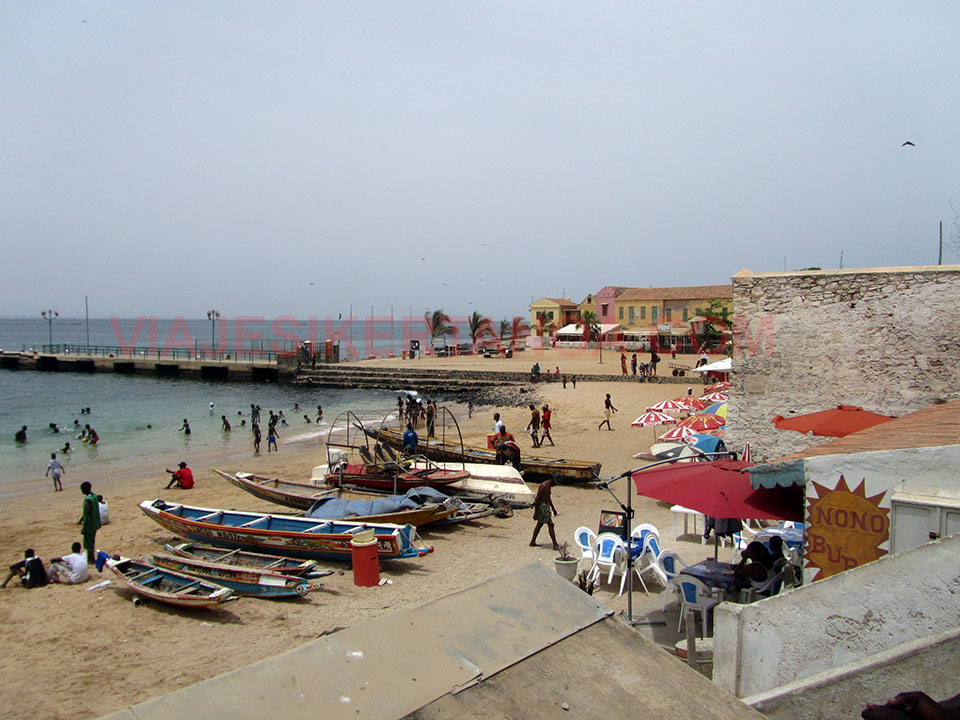 La playa de la isla de Gorée en Senegal