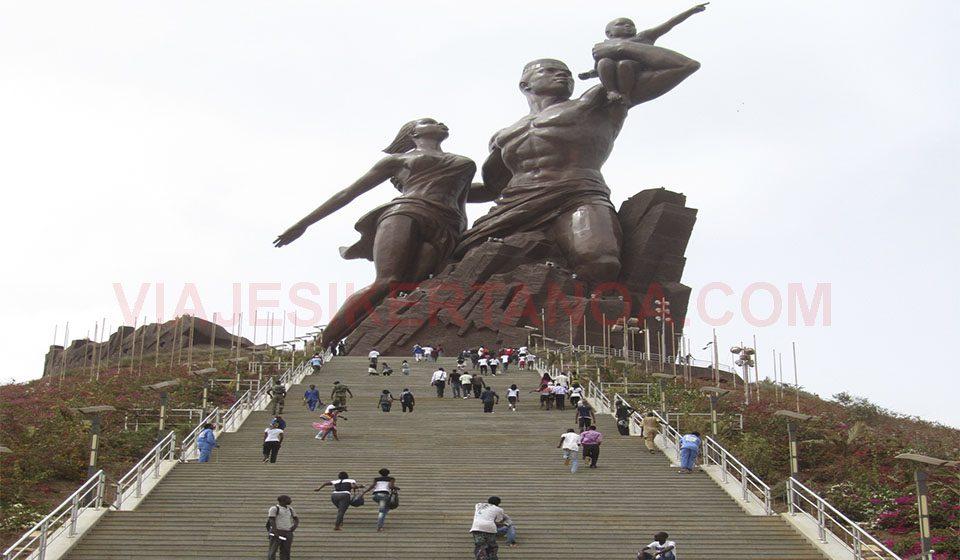 Monumento al renacimiento africano en Dakar, Senegal