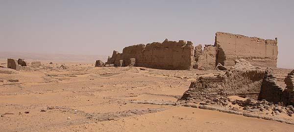 Vista del Templo de Adobe de Dush