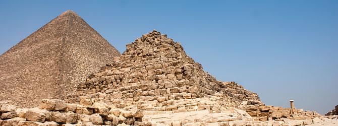 Entrada a las Pirámides de Keops, Kefren y Micerino en Giza, El Cairo. Viaje a Egipto con Viajes Ikertanoa.