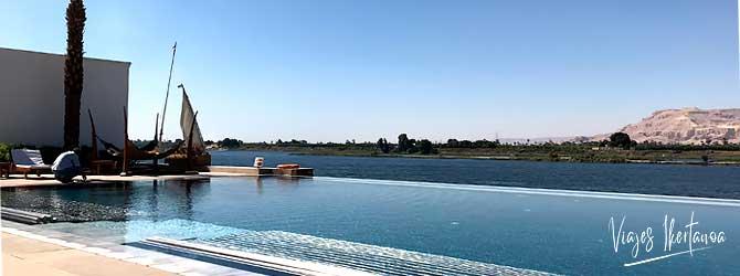 Hoteles en Egipto recomendados por Viajes Ikertanoa. Vista de la orilla occidental de Luxor desde desde el Hotel Hilton.